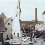 Abgestützte Gebäudereste