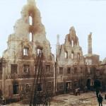 Fassadenreste nach dem Kuchlbauer-Brand